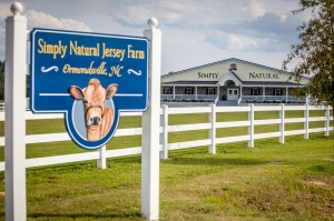 simply natural creamery sign